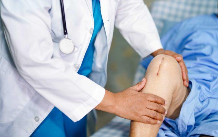 Best Knee replacement surgeon in Kothrud & Bavdhan.