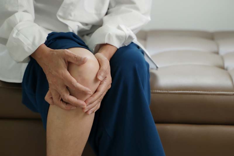 Chronic Knee Pain Causes and Symptoms